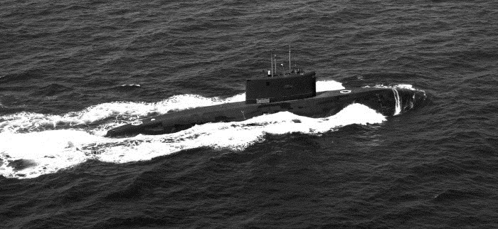 Kilo-Class Submarine - Indian Navy - 01 - TN