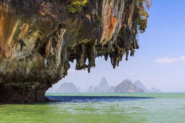 Cruise by speedboat through the Phang Nga Bay