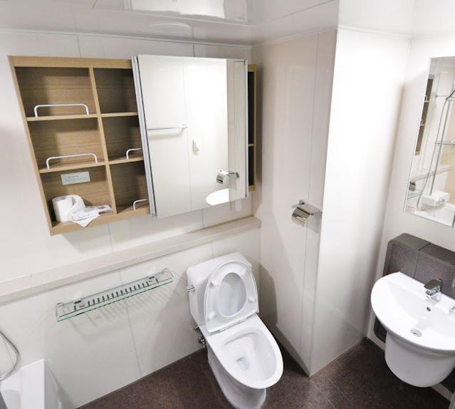 Toilets Seats