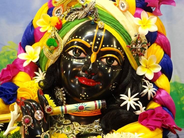 ISKCON Nigdi Deity Darshan 18 Dec 2015 (21)