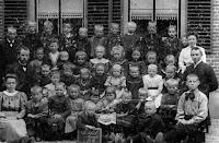 Ameide-Tienhoven Christelijke School ca. 1940 a.jpg