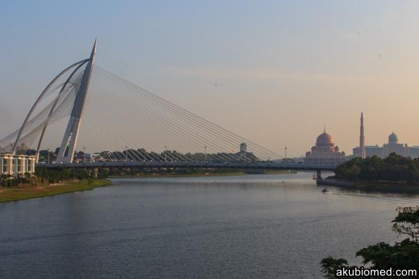 Jambatan Sri Warisan