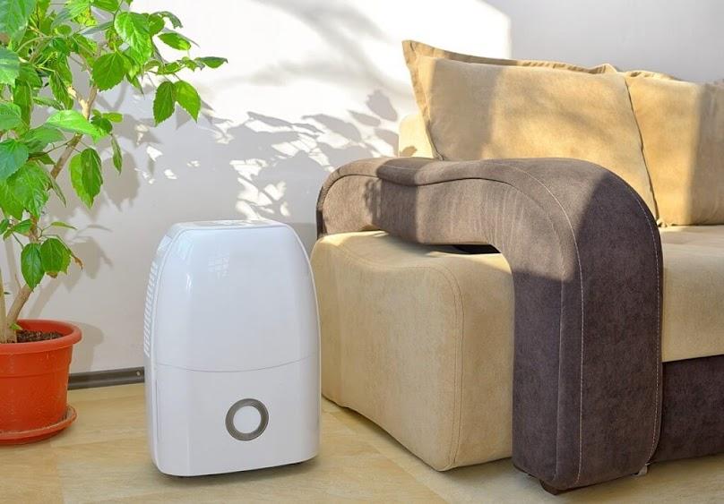 Osuszacz powietrza w mieszkaniu
