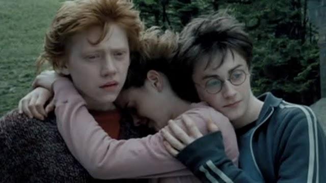 24 anos atrás Harry, Rony e Hermione monitoravam a entrada do Ministério da Magia