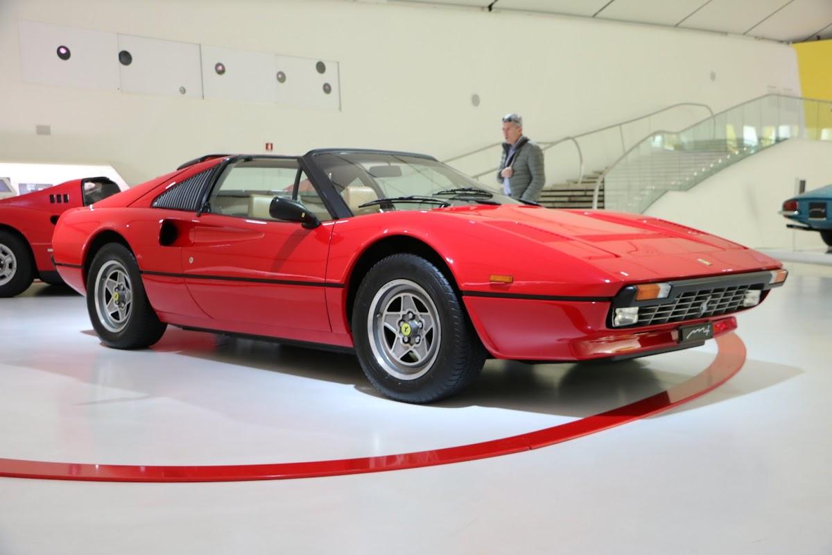 Modena - Enzo Museum 0060 - 1977 Ferrari 308 GTS.jpg