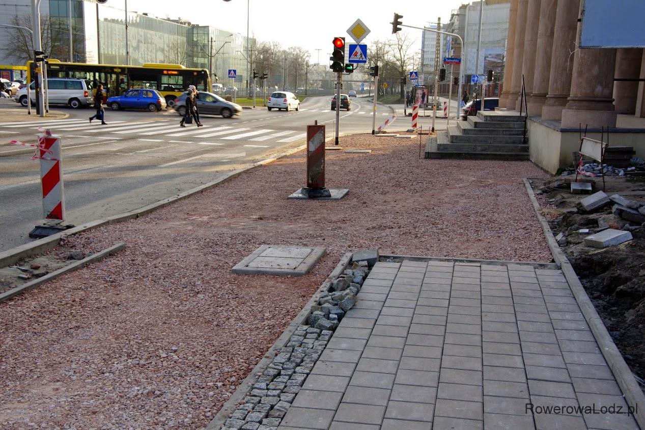 Czyżby tutaj przestrzeń wspólna była wylana asfaltem? Oby!