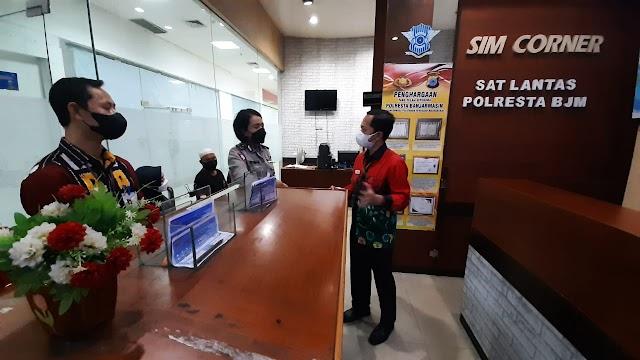 Monitoring Layanan SIM, Ombudsman Sambangi SIM Corner dan Satlantas Polresta Banjarmasin