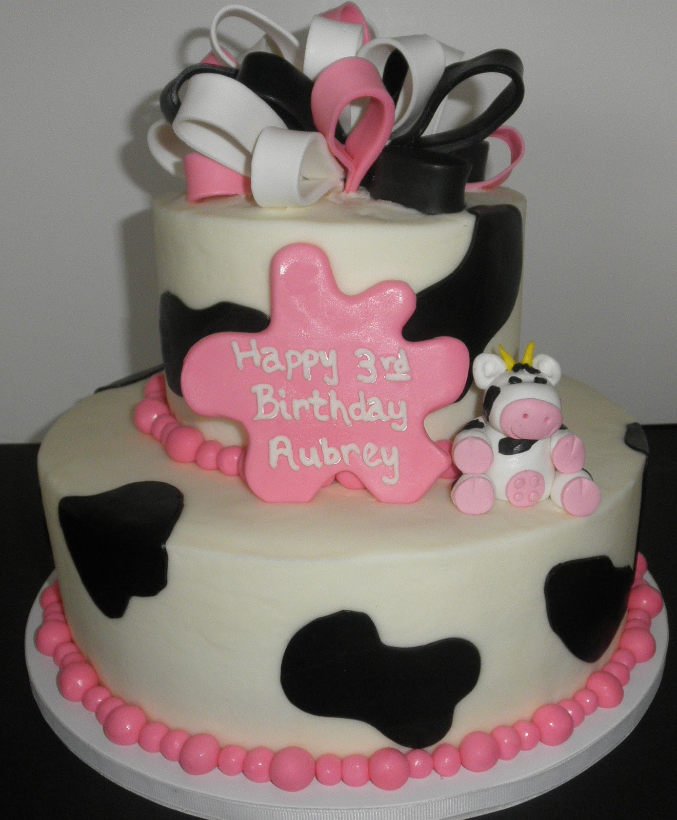 Sweet T\'s Cake Design: Cow and Hot Pink, Black & White Ribbon 3rd ...