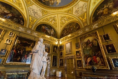 Interior Pitti Palace Florence Context Tour 3