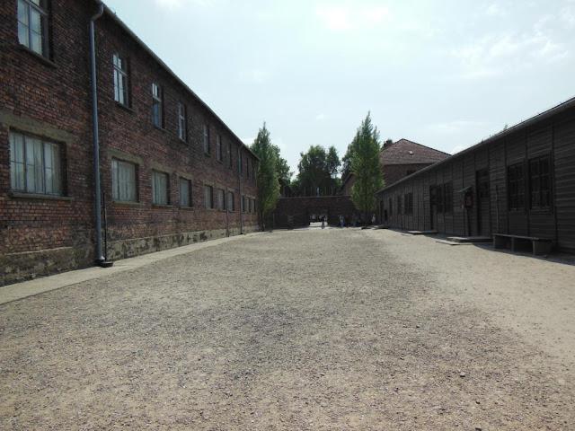 Barracones en el Campo de  Concentracion de Auschwitz