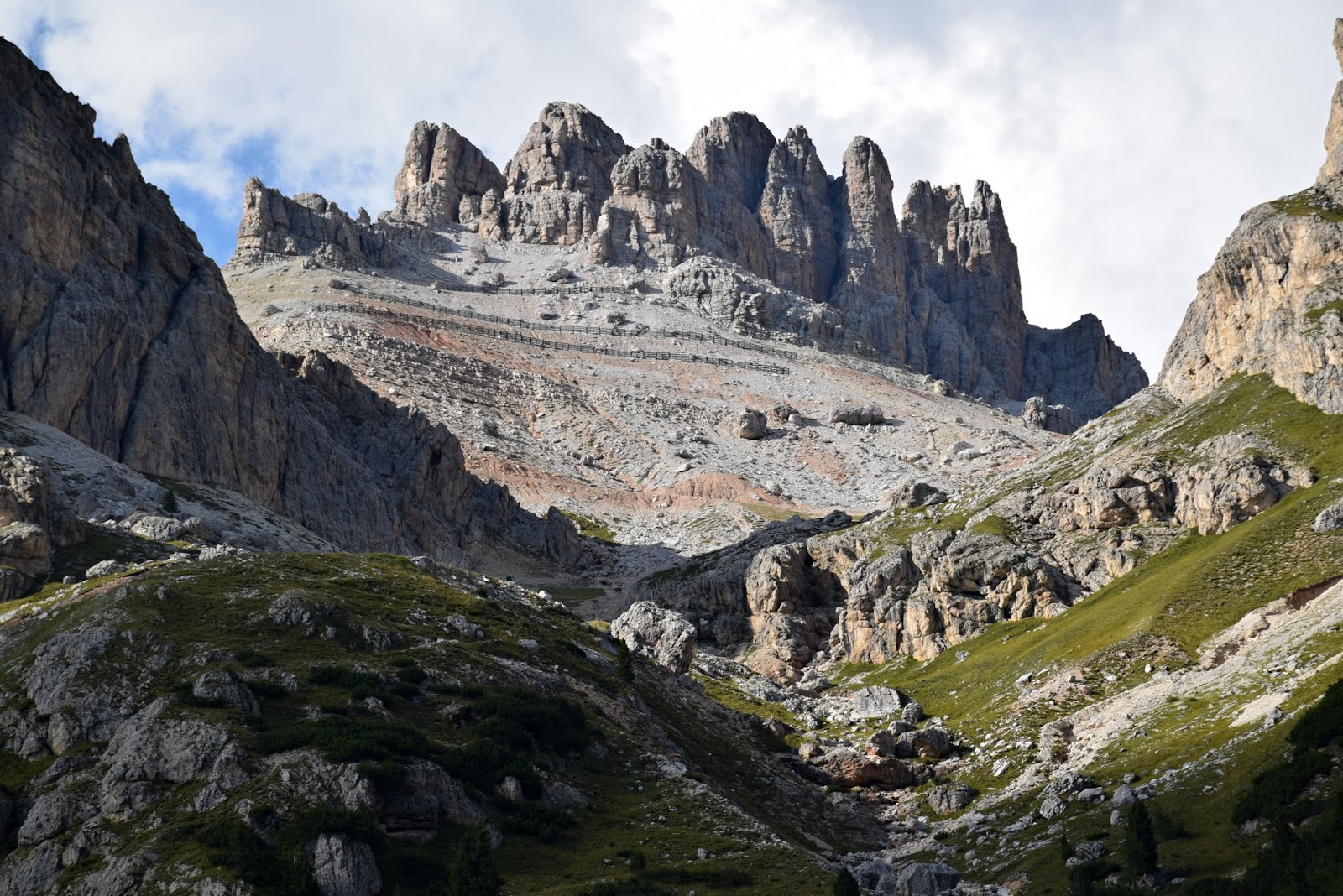 24.8. Z Passo Falsarego, Lagazuoi -210.JPG