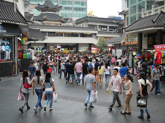 crowds near Shenzhen's first McDonald's
