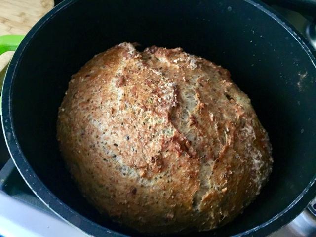 No-knead pot loaf