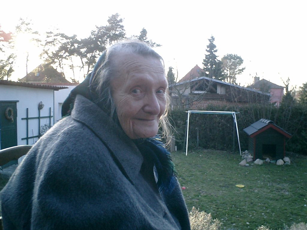 [Halle+-+real+name+Ilse+Langer+-+as+an+old+woman%5B4%5D]