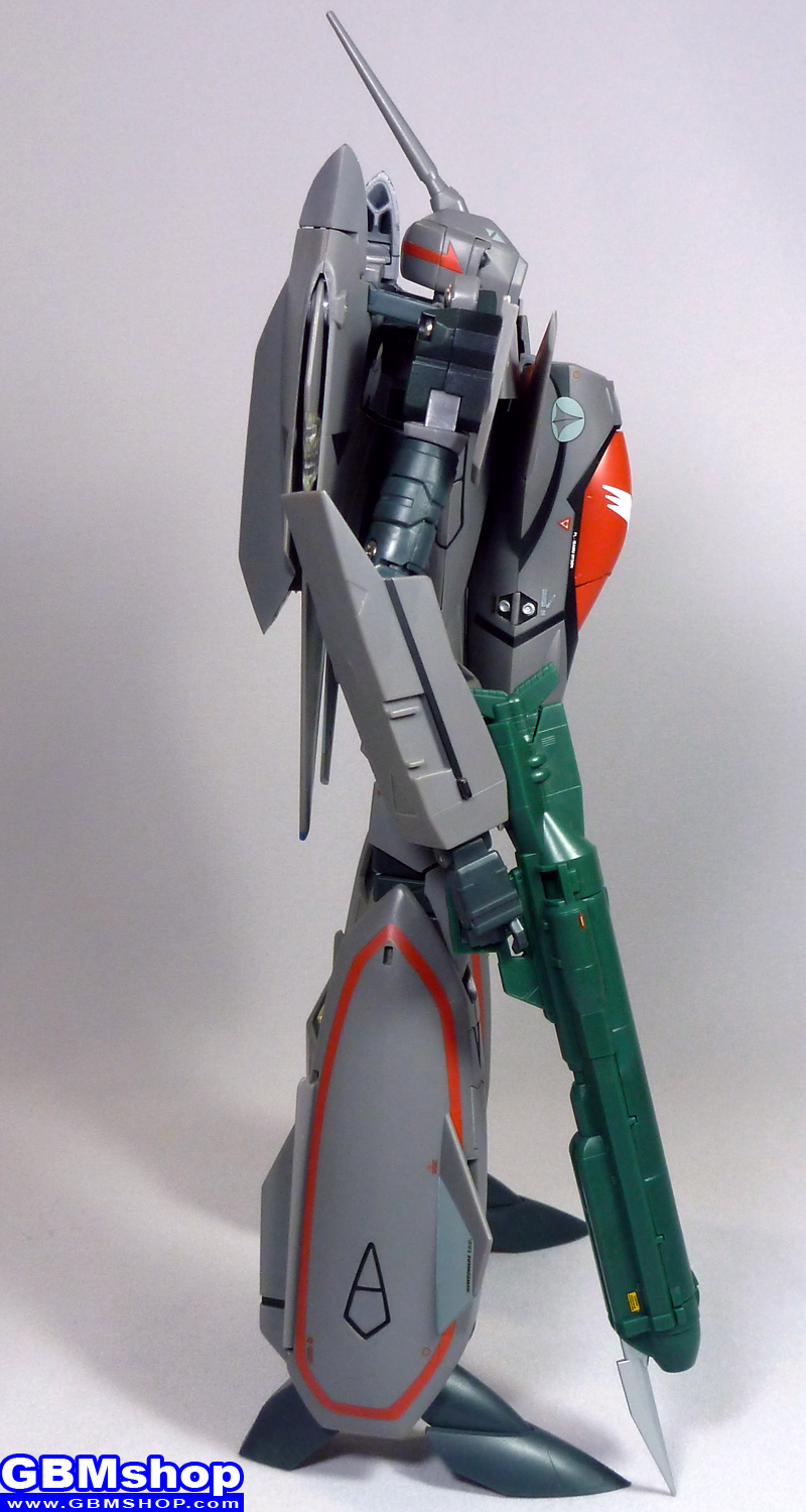 Macross Plus VF-11B Thunderbolt Battroid Mode