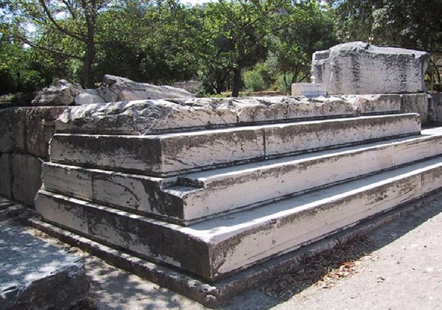 Near East: Temple of Zeus at ancient Latmos gets protection