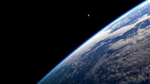 earth-space-1-e1485814498218