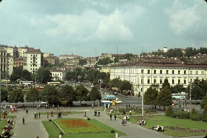 Майдан Незалежности 1964 год