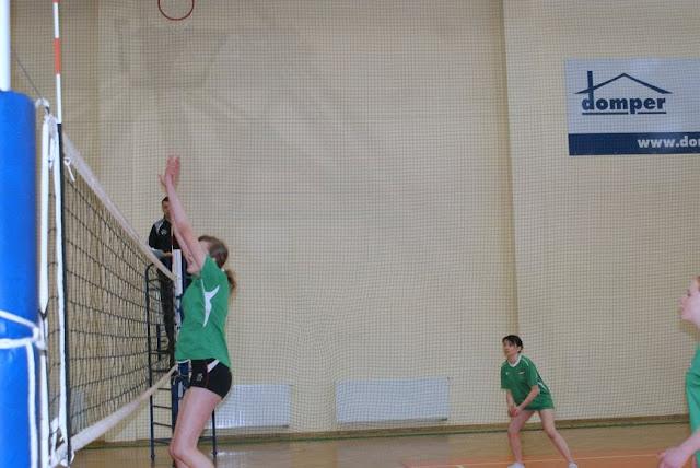 Zawody siatkarskie dziewczat 1 marca 2011 - DSC09317_1.JPG
