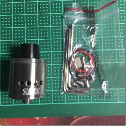 IMG 2516%255B1%255D thumb%255B1%255D - 【RDA】「Sub Ohm Innovations SZX Mini RDA(サブオームイノベーション サブゼロクロス ミニRDA)」レビュー。SZXのRDAが小さくなって登場!【電子タバコ/RDA】