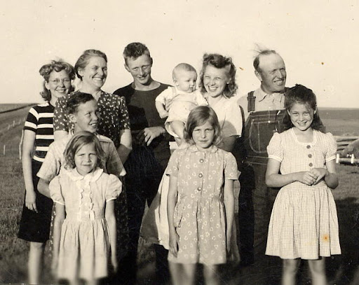John and Pearl and Family ca 1944