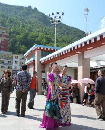 CHINE SICHUAN.KANDING , MO XI, et retour à KANDING fête du PCC - 1sichuan%2B1814.JPG