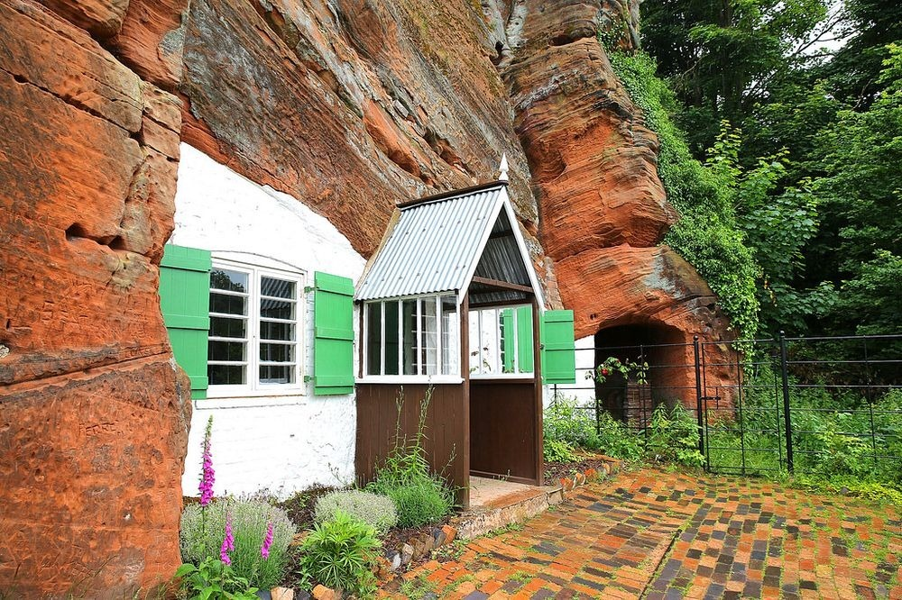 holy-austin-rock-house-kinver-5