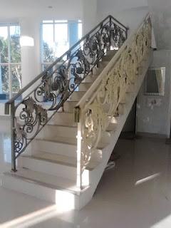 http://ornamenbesitempadzakyjaya.blogspot.com/2015/10/railing-tangga-klasik-railing-tangga.html