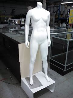 MALE AND FEMALE  MANNEQUINS FULL LENGTH - 9