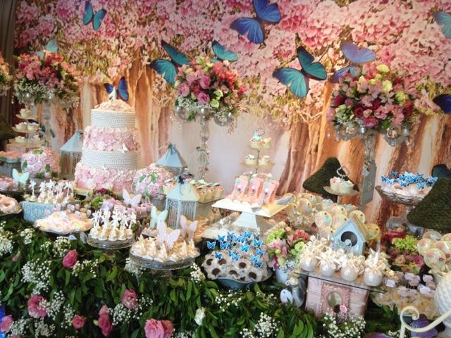 HAPPY FEST Jardim de borboletas Uma festa encantadora e cheia de