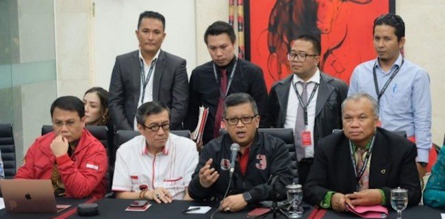 Agar Fokus Jalankan Tugas Partai, Yasonna Non Aktif Saja Dari Menkumham