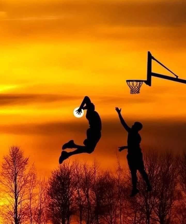 Foto Indah Sunset Keren Gambar Matahari Terbenam Unik Main Basket