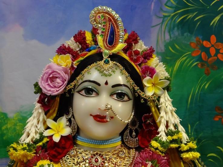 ISKCON Nigdi Deity Darshan 18 Dec 2015 (26)
