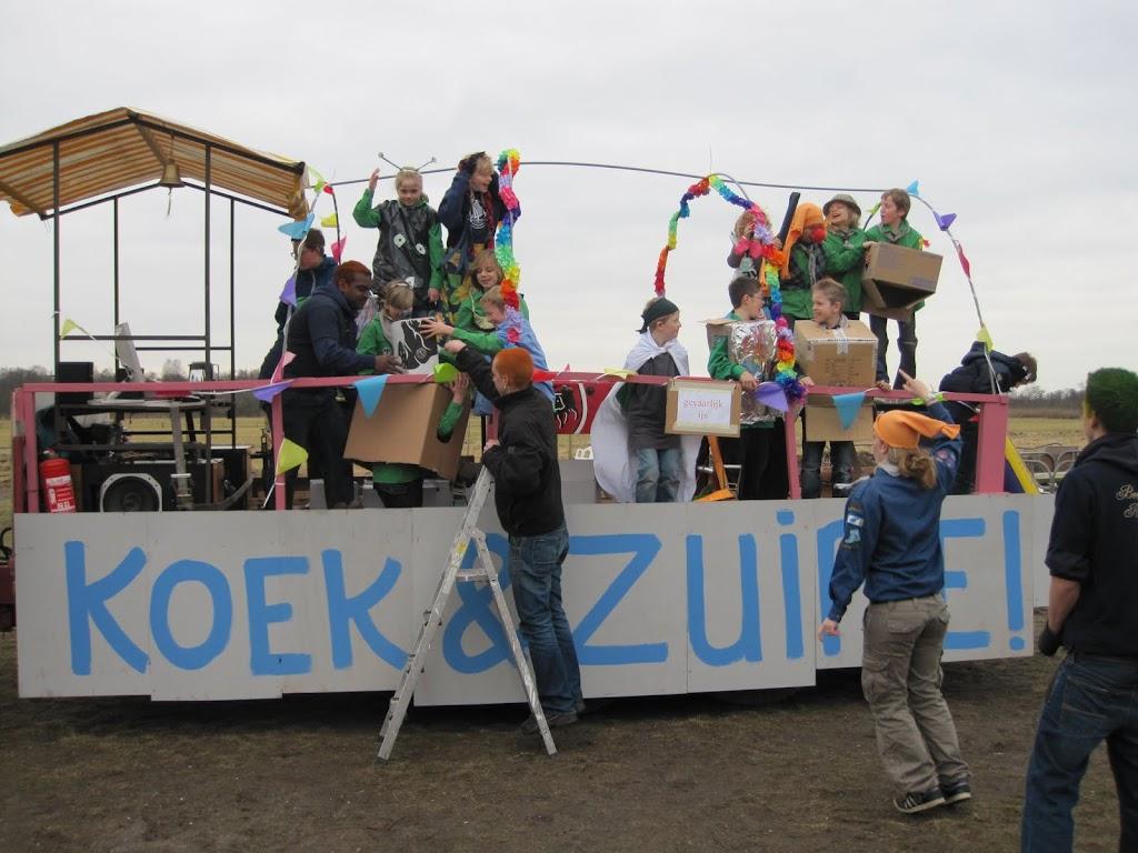 Welpen - Knutselen carnaval - IMG_5382.JPG