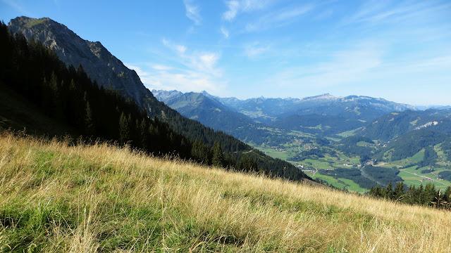 Aussicht Illertal nahe Rubihütte Tour Entschenkopf primapage