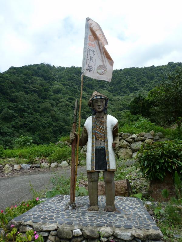 Puli  en passant , entre autres, par les villages de l ethnie Bunum de Loloko et Dili. J 10 - P1170008.JPG