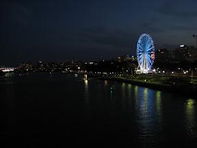 Wheel of Brisbane lit for Christmas