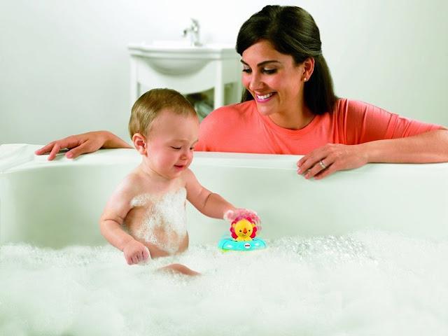 Đồ chơi tắm Hà mã và Sử tử Fisher Price giúp bé có những giây phút vui đùa thú vị