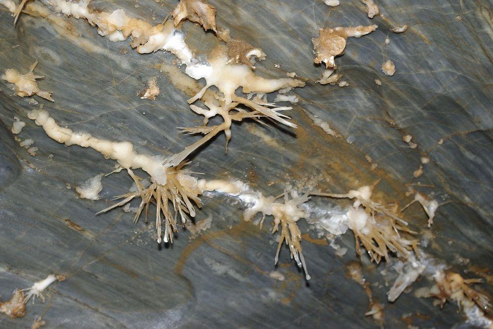 ochtinska-aragonite-cave-2