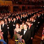 Slavnostní nástup na závěrečném plese