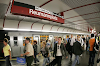 سائق مترو U1 في فيينا ينادي رحلتكم من تركيا إلى فيينا والبعض يراها تميزاً عنصرياً