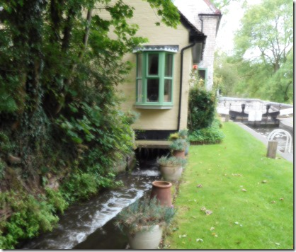 1 whittington lock cottage