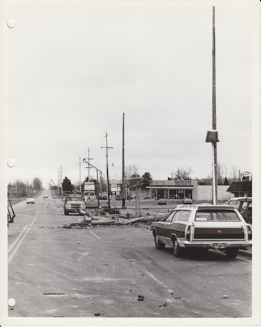 1976 Tornado photos collection - 44.tif