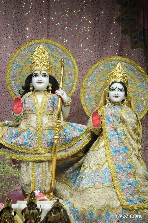 ISKCON Juhu Mangal Deity Darshan on 24 April 2016 (20)