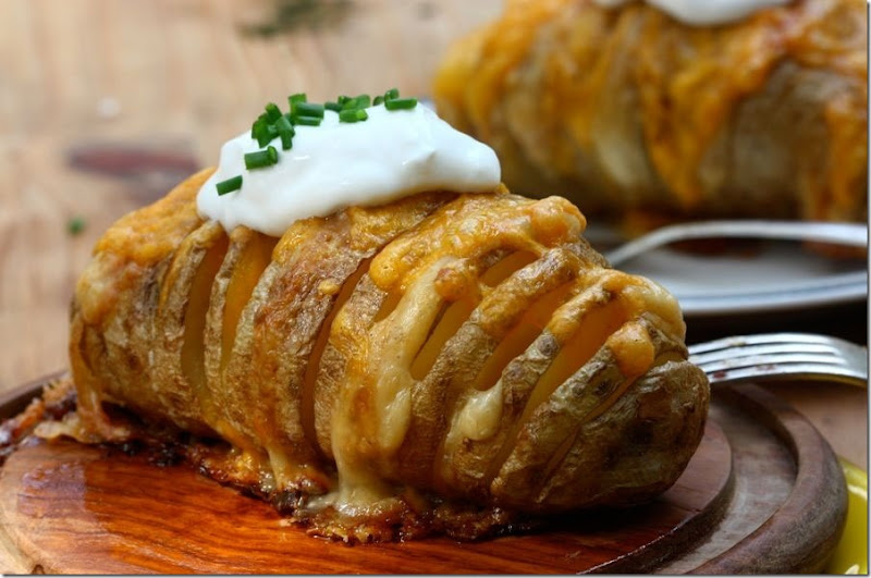 tk-blog-scalloped-hasselback-potatoes-11-20170411104152[4]