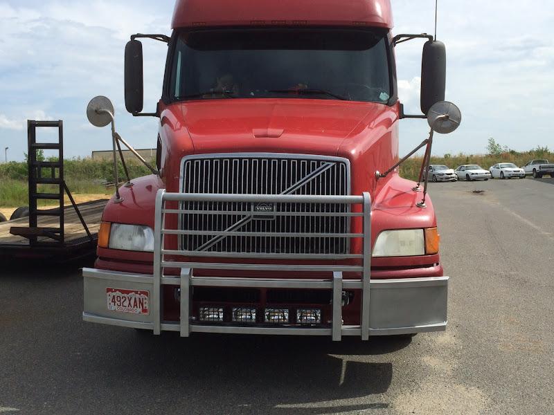 Semi Tractor Grills : Volvo semi truck grille guard