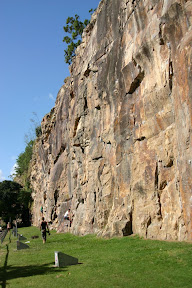 Rock climbers on Kangaroo Point Cliffs