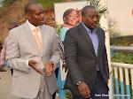 A droite; le Président Joseph Kabila accueilli par le gouverneur de la province du Congo centrale, Jacques Mbadu à Matadi, le 29/06/2015 à la veille de la célébration du 55èm anniversaire de l'indépendance de la RDC. Radio Okapi/Ph. John Bompengo