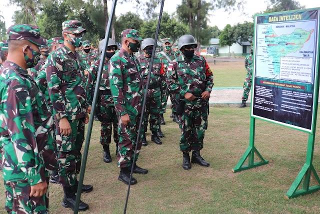 Kasdam IV/Diponegoro Tinjau Kesiapan Satgas Pamtas RI - Malaysia Yonif 407/Padmakusuma