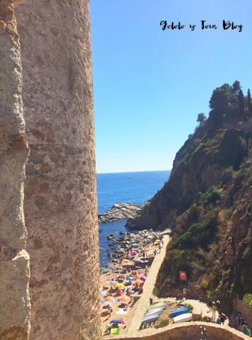vistas desde lo alto de la fortaleza de Tossa de Mar